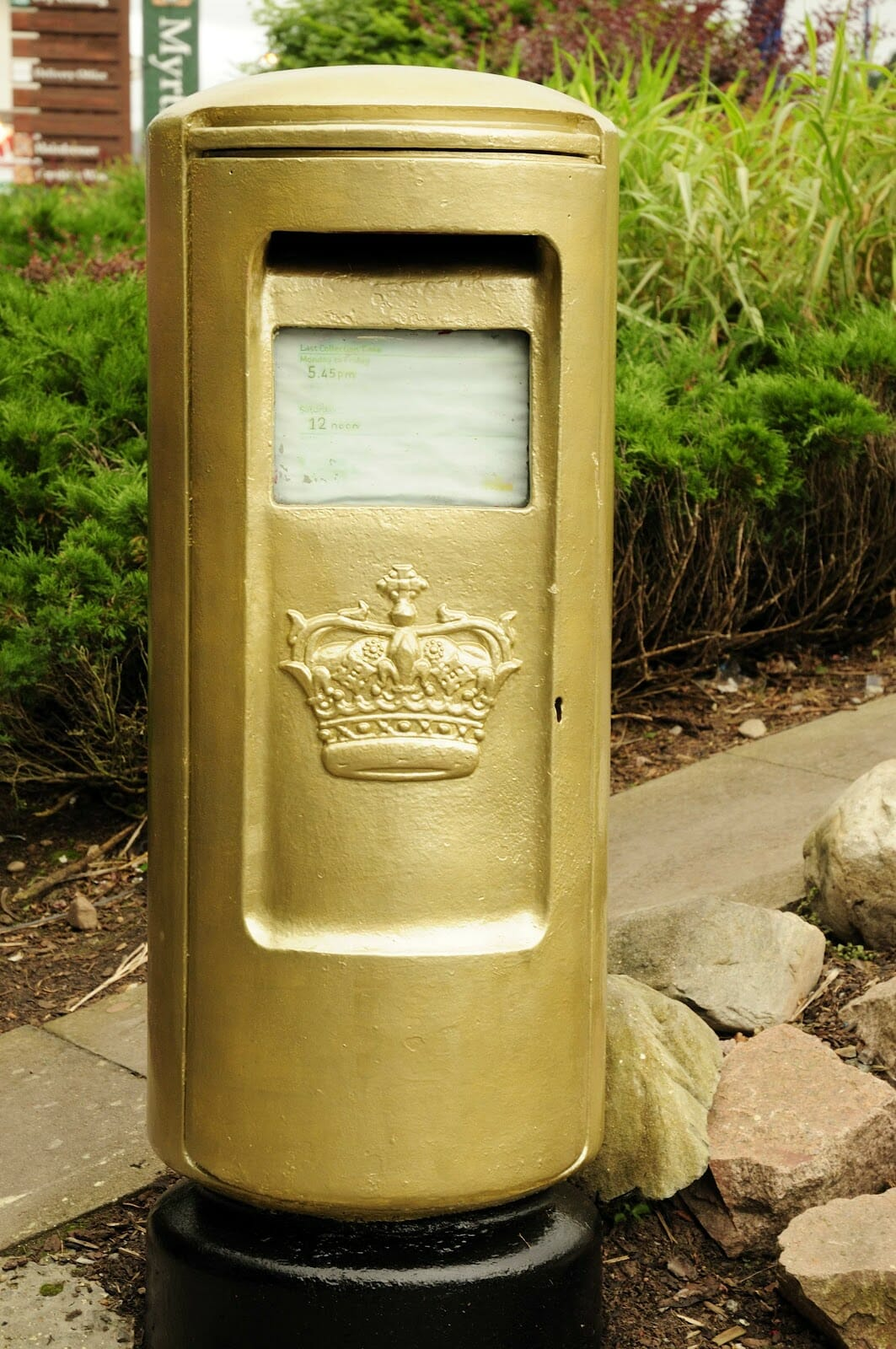 Aviemore Gold Post Box